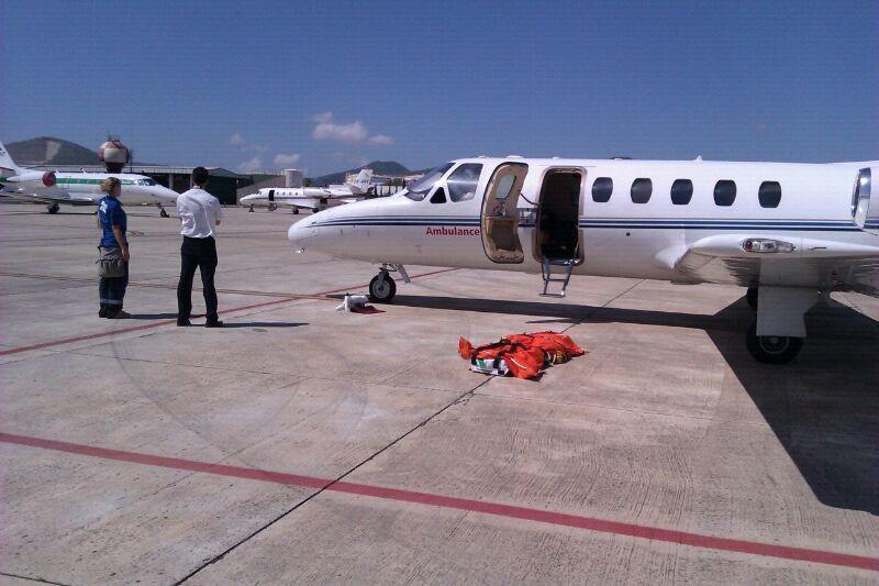 Air ambulance jet qui nes somos - Terminal ejecutiva barajas ...